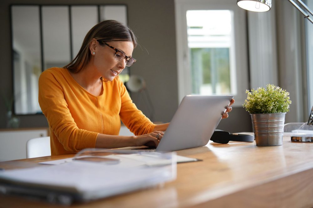 The Remote HR Section: GUIDELINES to Manage Workers from a Distance